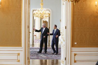 Secretary-General Meets President of Czech Republic in Prague