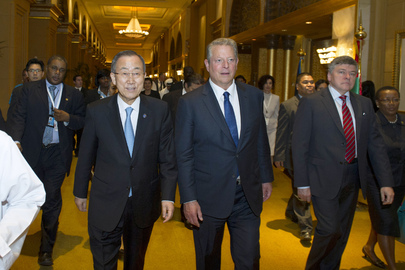 Secretary-General and Former US Vice President Attend Public Reception in Abu Dhabi