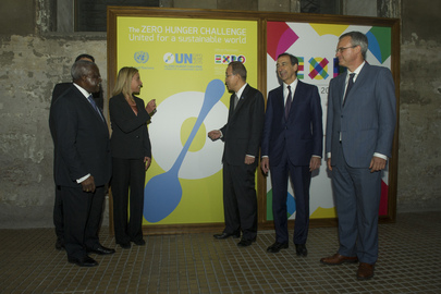 Secretary-General Presents UN Logo for Expo Milano 2015
