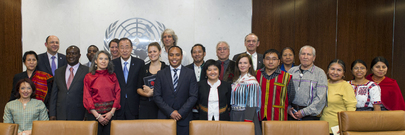 Secretary-General with Participants of Indigenous Forum Session