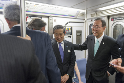 Secretary-General Takes Subway to Meet New York City Mayor