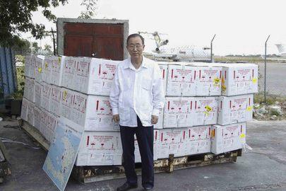 Secretary-General Tours Facility Holding Cholera Vaccines