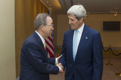 Secretary-General Meets U.S. Secretary of State in Cairo