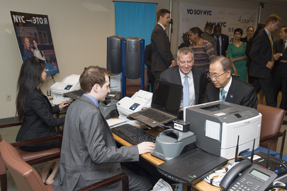 Secretary-General at the IDNYC Pop-Up Booth