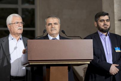 Člani sirske opozicije;  od leve: George Sabra, Asaad Al-Zoubi in Mohamed Aluš. (UN Photo, Jean-Marc Ferré)
