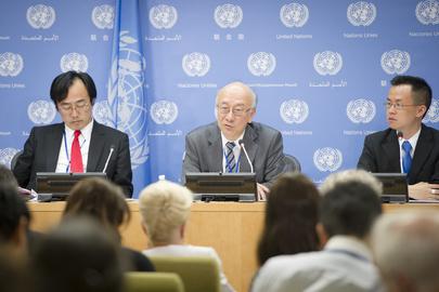 1 تموز/يوليه 2016:   كورو بيشو، الممثل الدائم لليابان لدى الأمم المتحدة ورئيس مجلس الأمن لشهر تموز/يوليه، مقدما إحاطة للصحافيين بشأن برنامج عمل المجلس لهذا الشهر. الصورة ©الأمم المتحدة