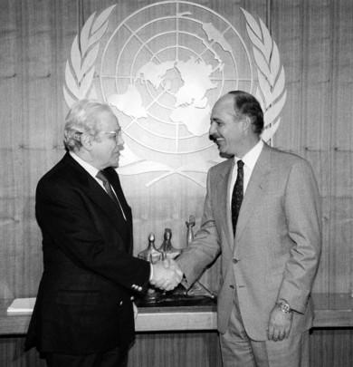 Secretary-General Meets with President of El Salvador