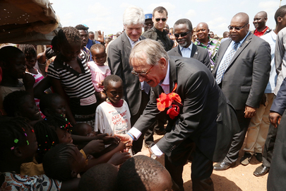 Deputy Secretary-General Visits M'poko IDP Camp, Bangui