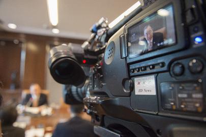 Secretary-General is Interviewed by Japanese Media