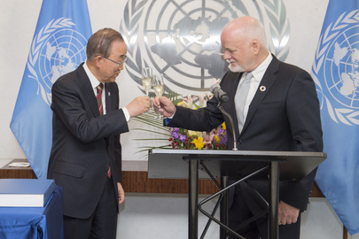 Secretary-General Hosts Coupe de Champagne for Assembly President