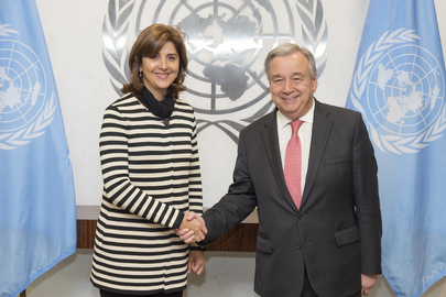 Secretary General Meets Foreign Minister of Colombia