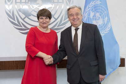 Secretary-General Meets Foreign Trade Minister of Netherlands