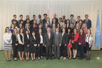 Secretary-General Meets Youth Delegates to General Assembly