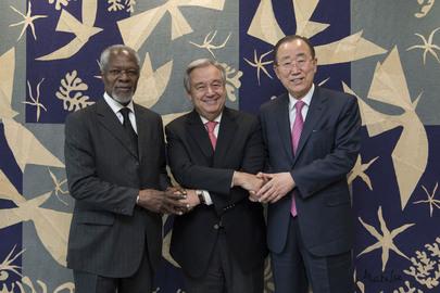 Secretary-General Meets with Two Former Secretaries-General