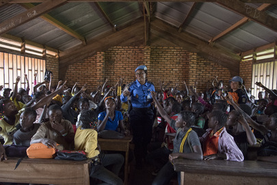 MINUSCA Police Officer Conducts Class on Gender Violence