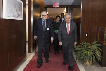 Secretary-General Meets Founder of Crisis Management Initiative