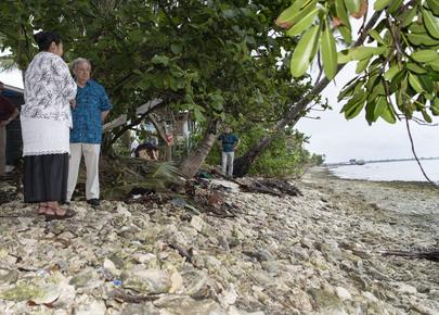 Secretary-General Visits Tuvalu