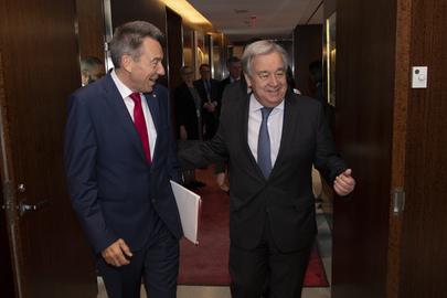 Secretary-General Meets President of Red Cross