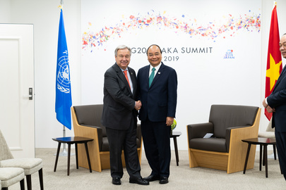 Secretary-General Meets Prime Minister of Viet Nam in Osaka