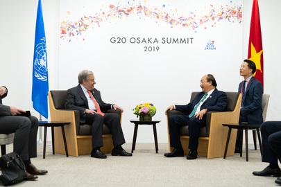 Secretary-General Meets Prime Minister of Viet Nam in Osaka