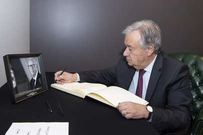 Secretary-General Signs Book of Condolences for President of Tunisia