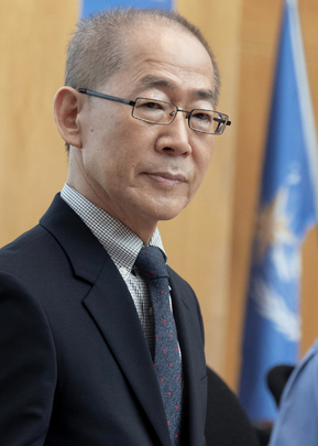 Chair of Intergovernmental Panel on Climate Change Briefs Press