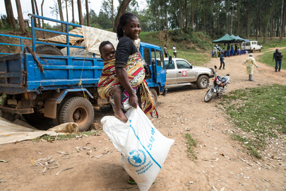 WFP Distributes Food to Ebola Survivors
