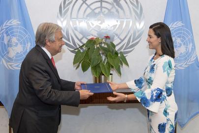 New Permanent Representative of El Salvador Presents Credentials
