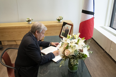 Secretary-General Signs Book of Condolences for Former President of France