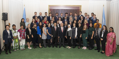 Secretary-General Meets Youth Delegates Attending 74th Session of General Assembly