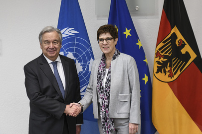 Secretary-General Meets Minister of Defense of Germany
