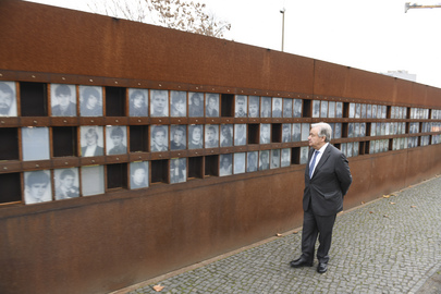 Secretary-General Visits Berlin Wall Memorial Site