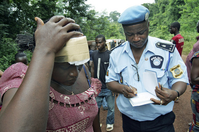 UNOCI Civilian Police Officer Helps Civilians