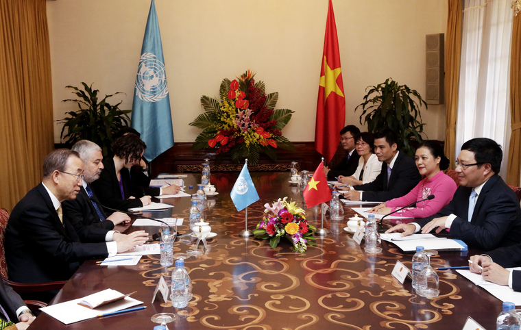 Secretary-General Meets Foreign Minister of Viet Nam in Hanoi