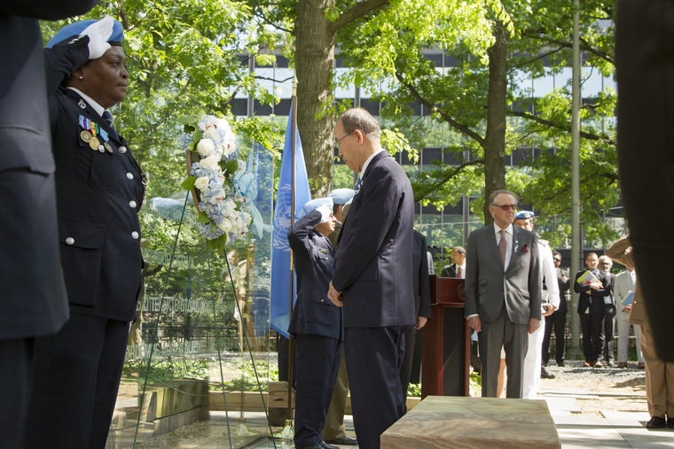 Wreath-laying Ceremony on International Day of Peacekeepers
