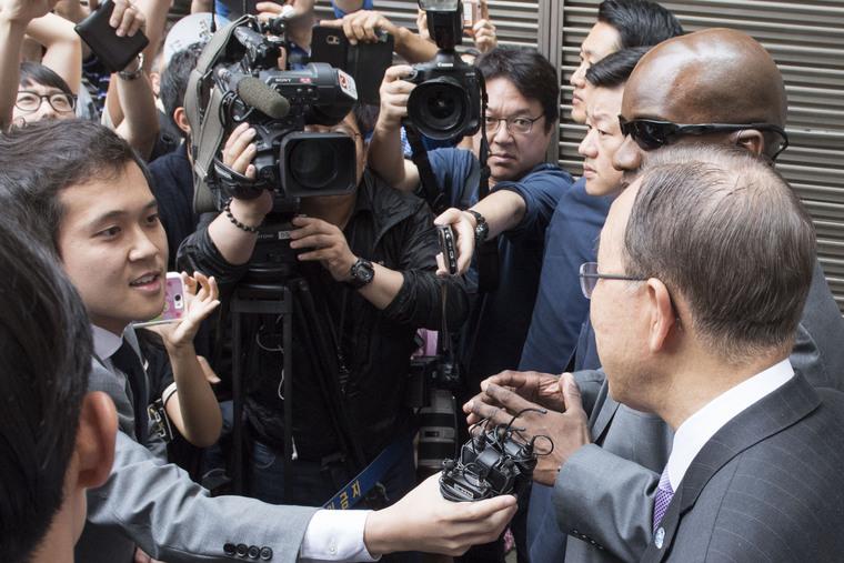 Secretary-General Speaks to Media in Seoul