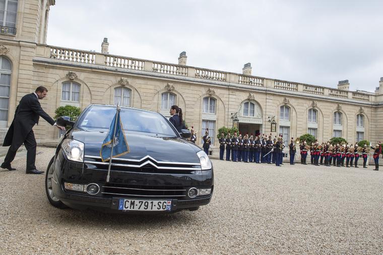 Secretary-General Arrives at Élysée Palace