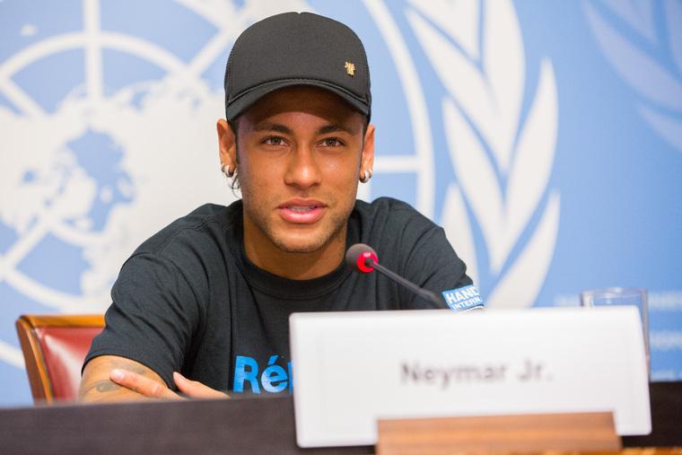 Soccer Star Neymar Jr. Becomes Ambassador of Handicap International
