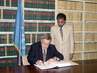 NEW ZEALAND SIGNS WORLD HEALTH ORGANIZATION FRAMEWORK CONVENTION 4.4584055