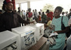 Haitians Patiently Wait Long Hours to Vote 4.033266
