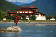 Local Man Keeps Bhutan's River Immaculate 6.908331