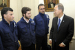 Secretary-General Meets Argentinean White Helmets 4.2857556