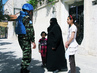 UN Observers Speak with Residents of Hama 12.7831135