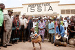 Head of UNOCI Visits Issia, Côte d'Ivoire 7.062759
