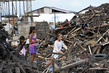 SG Visits the Philippines, Assesses UN Relief Efforts 8.080332