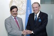 Deputy Secretary-General Meets Culture Minister of Qatar 7.2195764