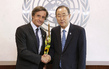 Secretary-General Meets Outgoing Head of Public Information 7.228862