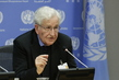 Noam Chomsky Addresses the Press Ahead of Lecture at UN 3.1832001
