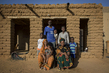Gao, Mali: Family Portrait 4.639283