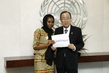 Secretary-General Meets Activist Against Female Genital Mutilation 5.330444
